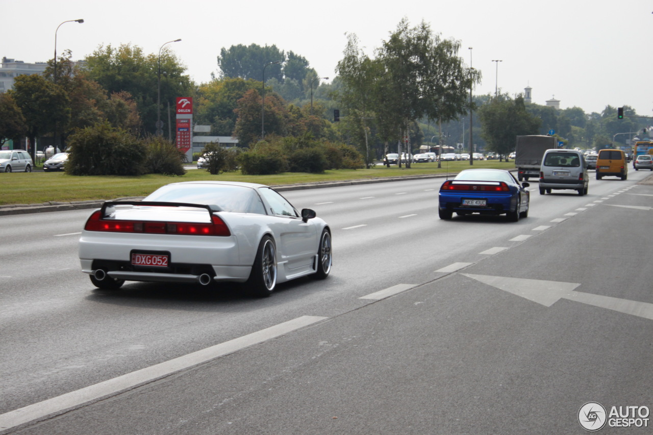2010 Acura NSX T photo - 1
