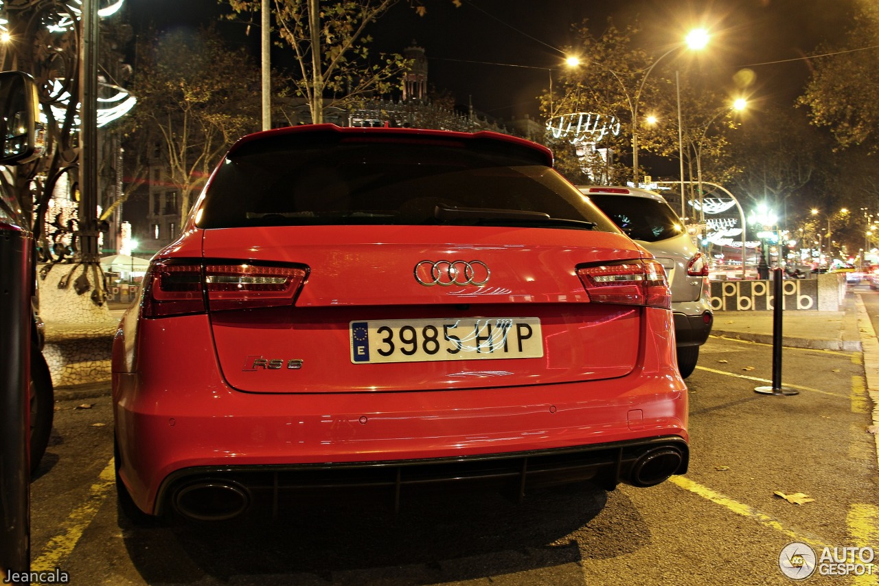 RS6 car - Color: Red  // Description: dynamic