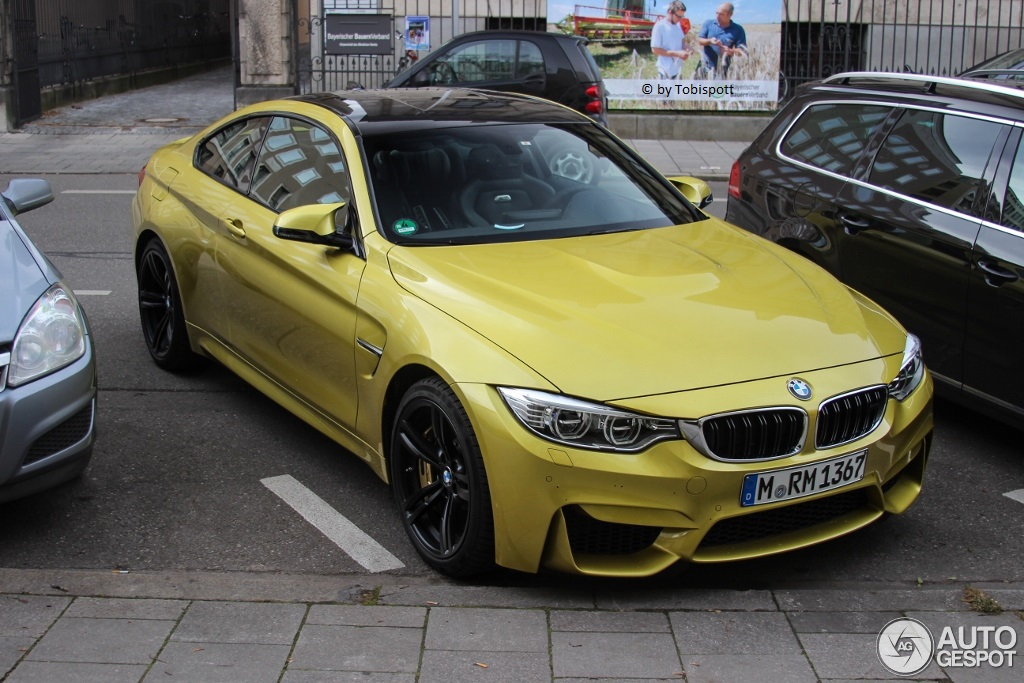 bmw m4 f82 coup 3 january 2014 autogespot. Black Bedroom Furniture Sets. Home Design Ideas