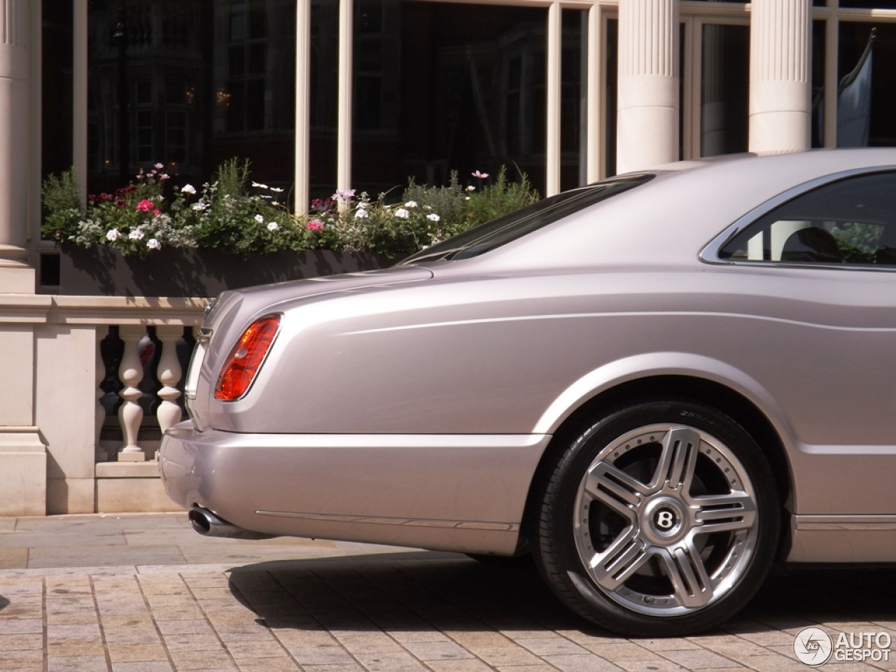 Bentley brooklands 2008 10 january 2014 autogespot 8 i bentley brooklands 2008 8 vanachro Choice Image