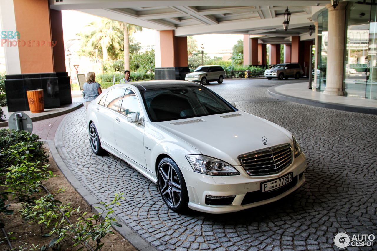 Mercedes benz s 63 amg w221 2010 16 january 2014 for Mercedes benz w221 price