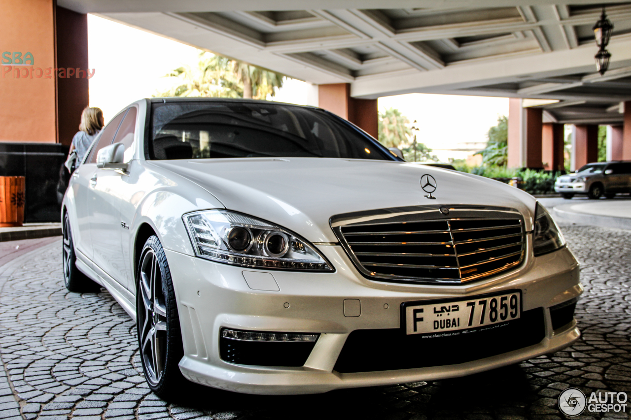 Mercedes benz s 63 amg w221 2010 16 january 2014 for Mercedes benz s63 amg 2010