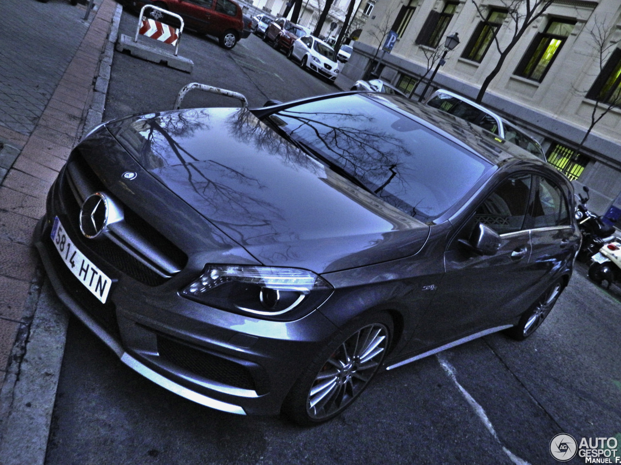 Mercedes benz a 45 amg 24 januar 2014 autogespot for Mercedes benz a 45