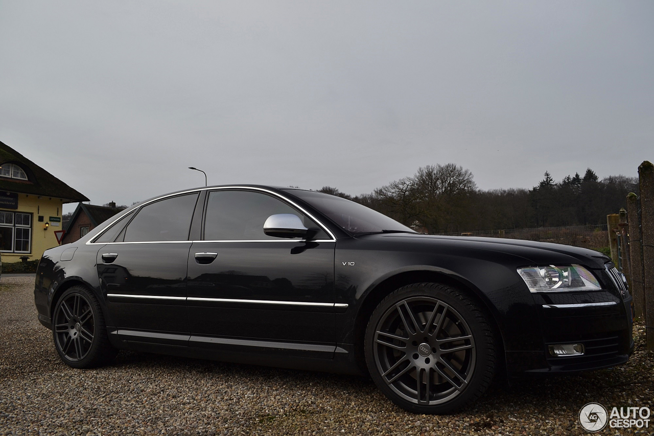 Audi S8 D3 25 January 2014 Autogespot
