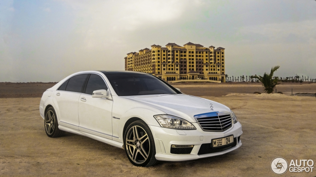 Mercedes benz s 63 amg w221 2011 26 january 2014 for Mercedes benz w221 price
