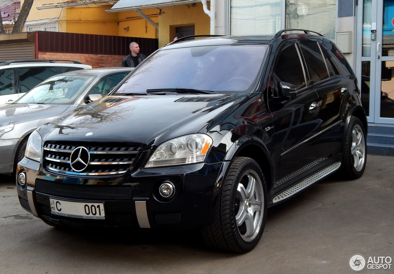 mercedes benz ml 63 amg w164 27 january 2014 autogespot. Black Bedroom Furniture Sets. Home Design Ideas