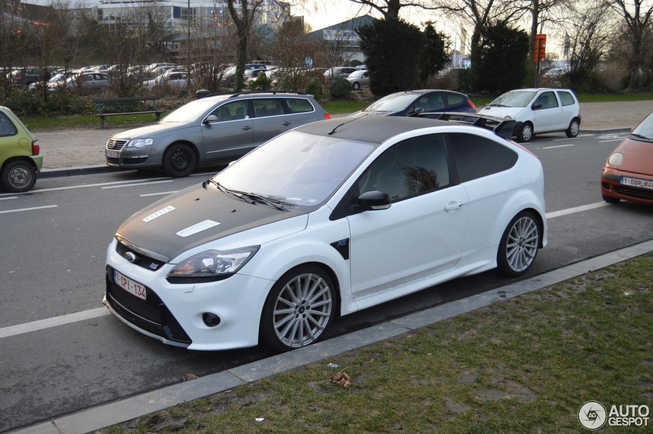 ford focus rs 2009 1 fvrier 2014 autogespot. Black Bedroom Furniture Sets. Home Design Ideas