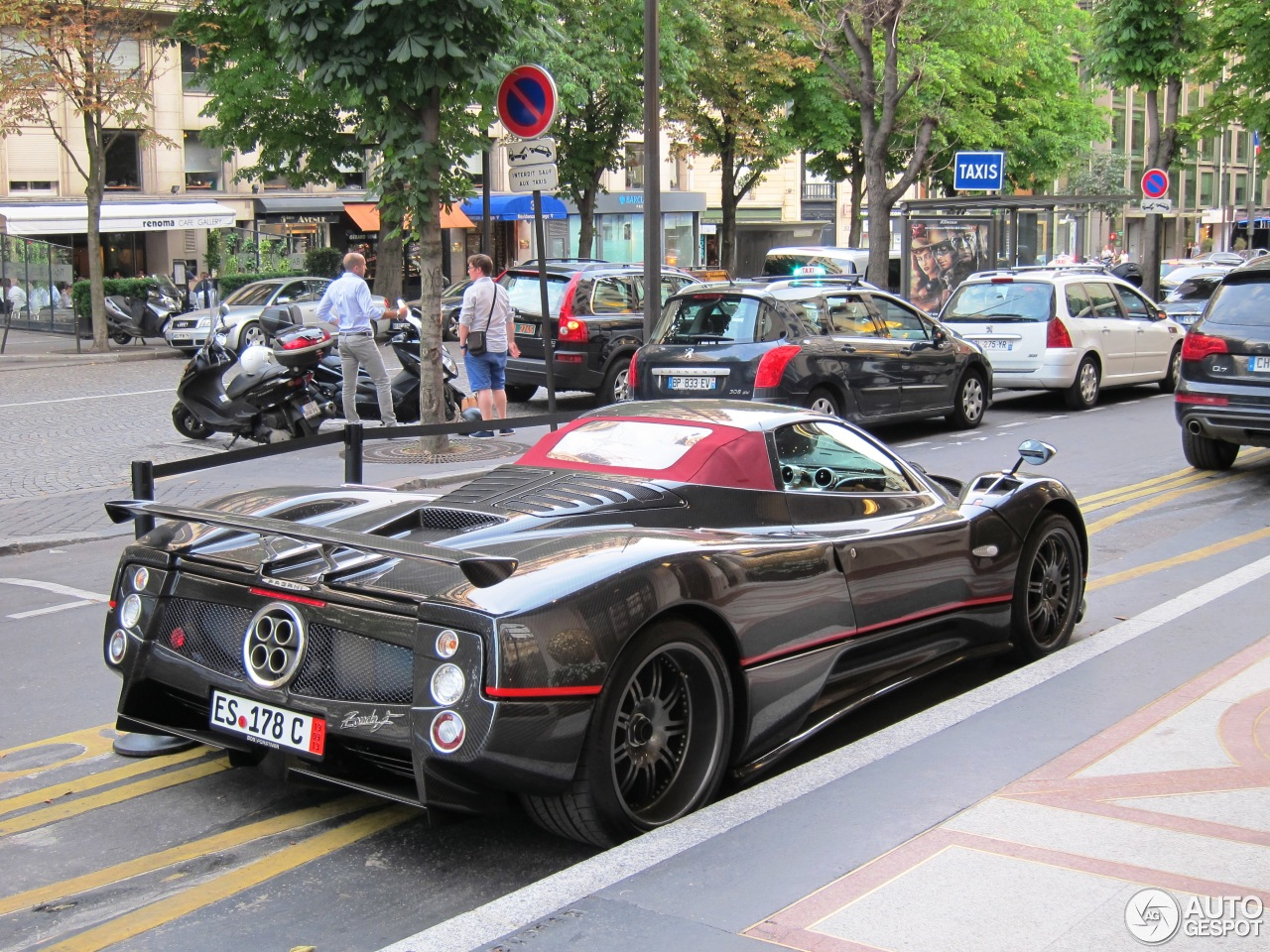 pagani zonda c12 f roadster 2 fvrier 2014 autogespot. Black Bedroom Furniture Sets. Home Design Ideas
