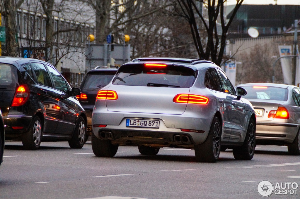 Porsche macan turbo 2