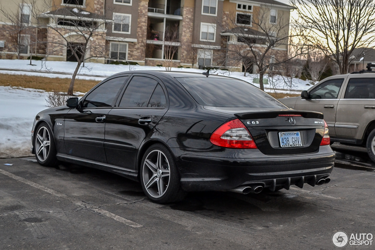 mercedes benz e 63 amg 18 februar 2014 autogespot. Black Bedroom Furniture Sets. Home Design Ideas