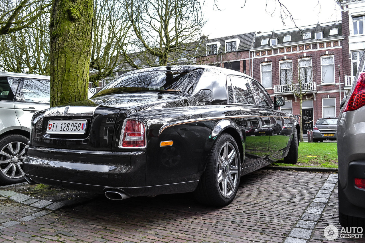 rolls royce phantom spirit of ecstasy centenary edition 18 february 2014 autogespot. Black Bedroom Furniture Sets. Home Design Ideas