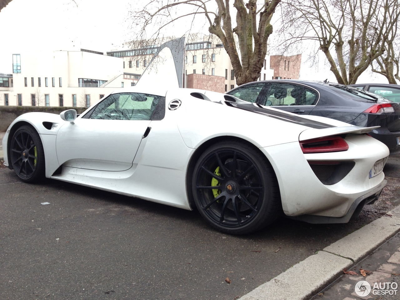 porsche 918 spyder 19 february 2014 autogespot. Black Bedroom Furniture Sets. Home Design Ideas