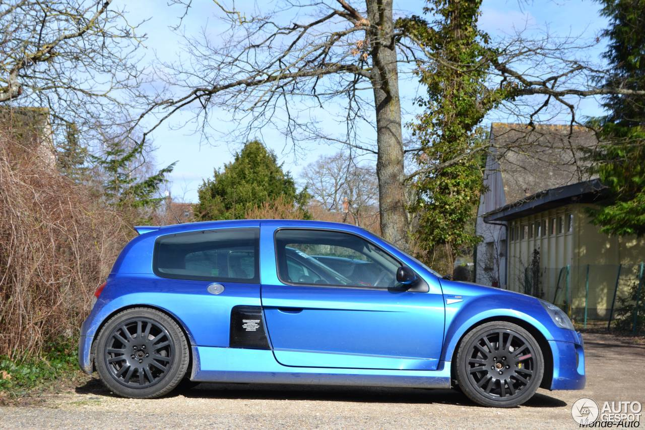 renault clio v6 phase ii 24 february 2014 autogespot. Black Bedroom Furniture Sets. Home Design Ideas