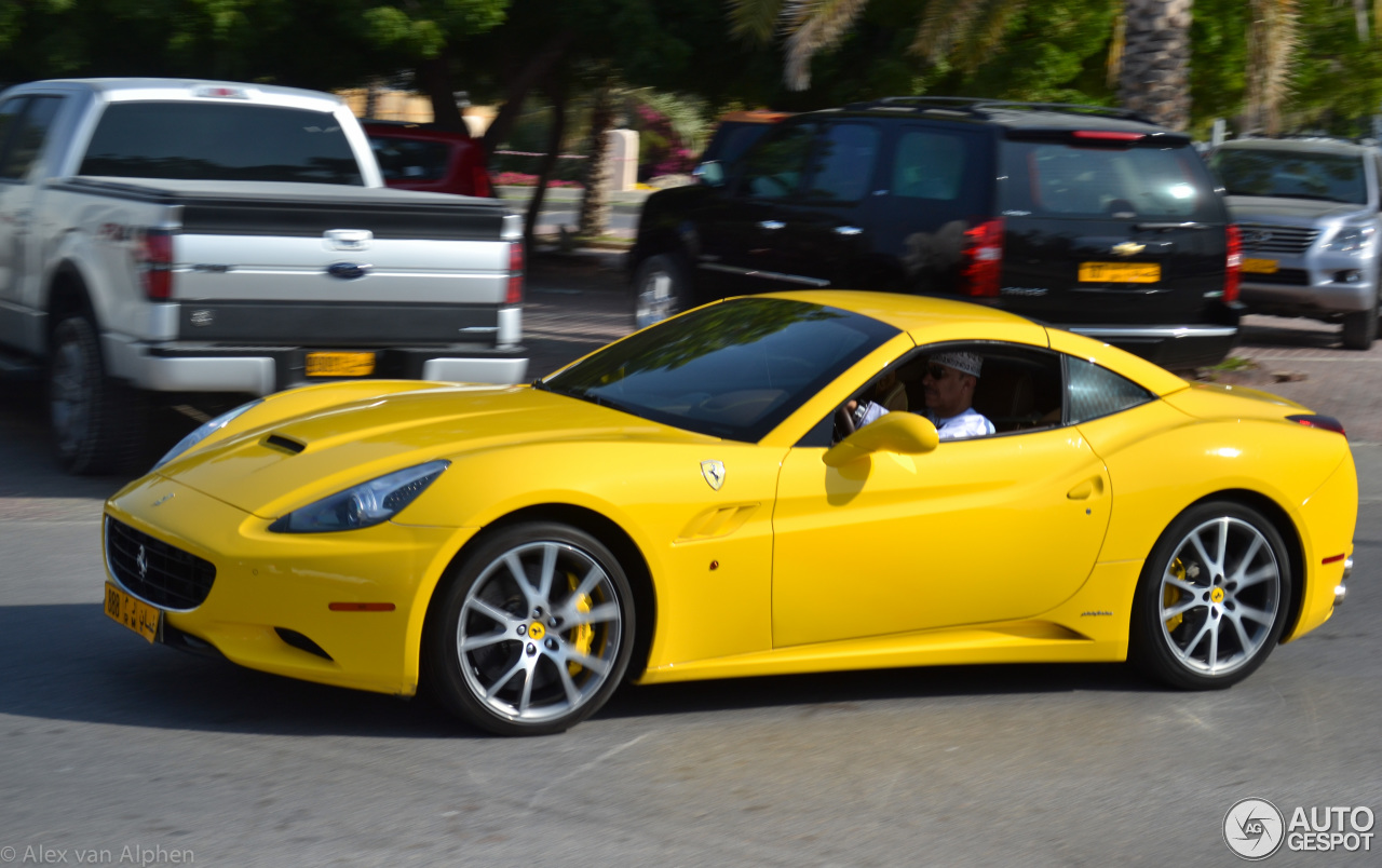 1 i ferrari california 1 - Ferrari 2014 Yellow