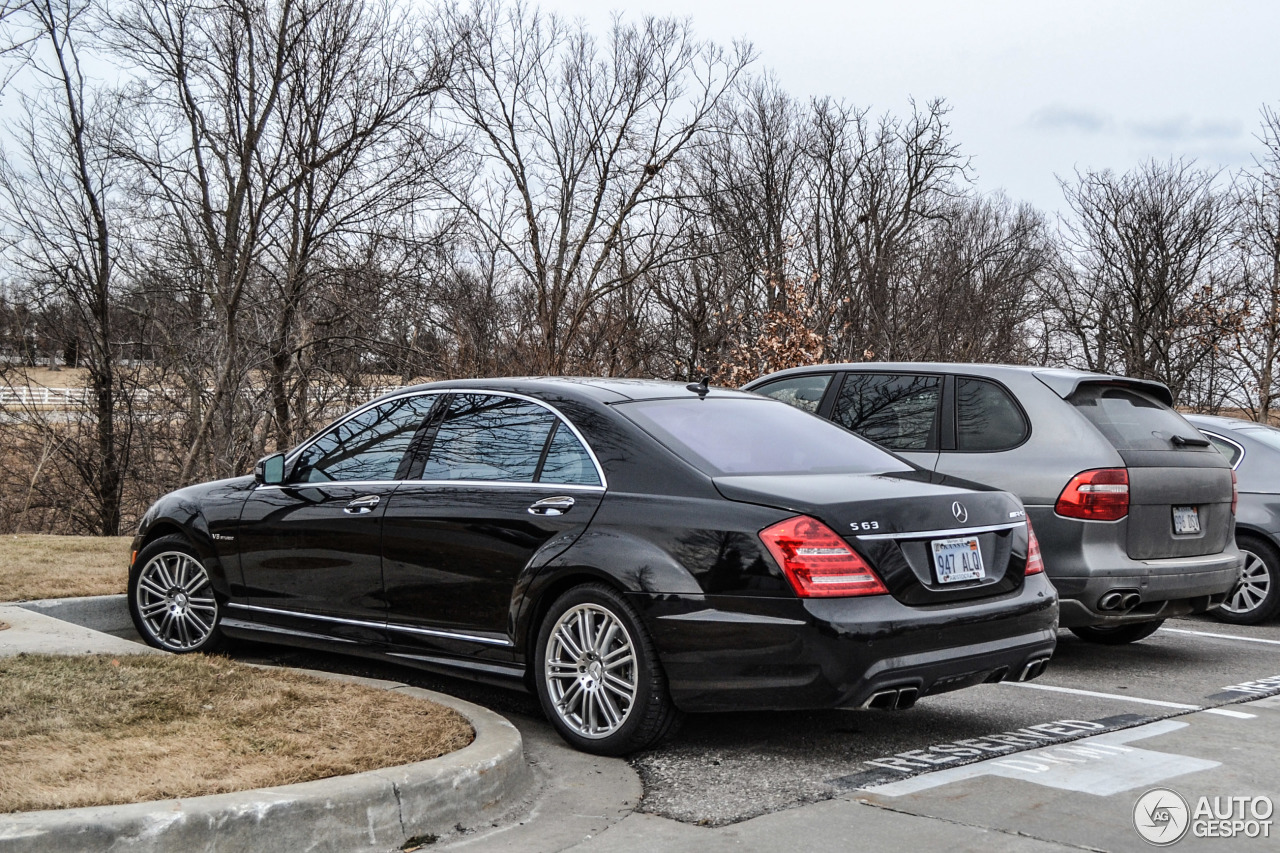 Mercedes benz s 63 amg w221 2011 28 february 2014 for Mercedes benz w221 price