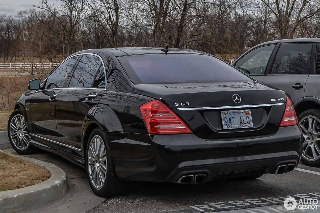 mercedes benz s 63 amg w221 2011 28 february 2014 autogespot. Black Bedroom Furniture Sets. Home Design Ideas