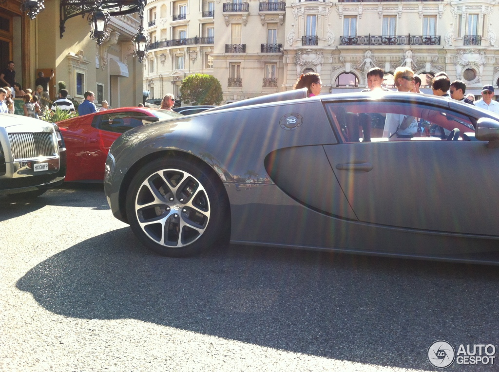 bugatti veyron 16 4 grand sport vitesse 1 march 2014 autogespot. Black Bedroom Furniture Sets. Home Design Ideas