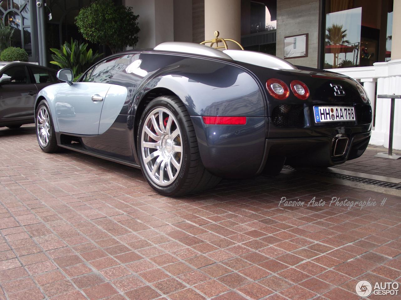 bugatti veyron 16 4 4 march 2014 autogespot. Black Bedroom Furniture Sets. Home Design Ideas