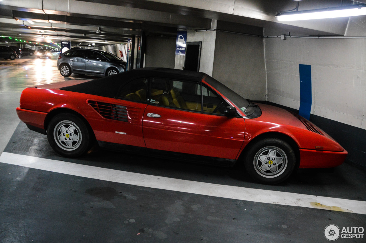 ferrari mondial 3 2 cabriolet 6 mars 2014 autogespot. Black Bedroom Furniture Sets. Home Design Ideas