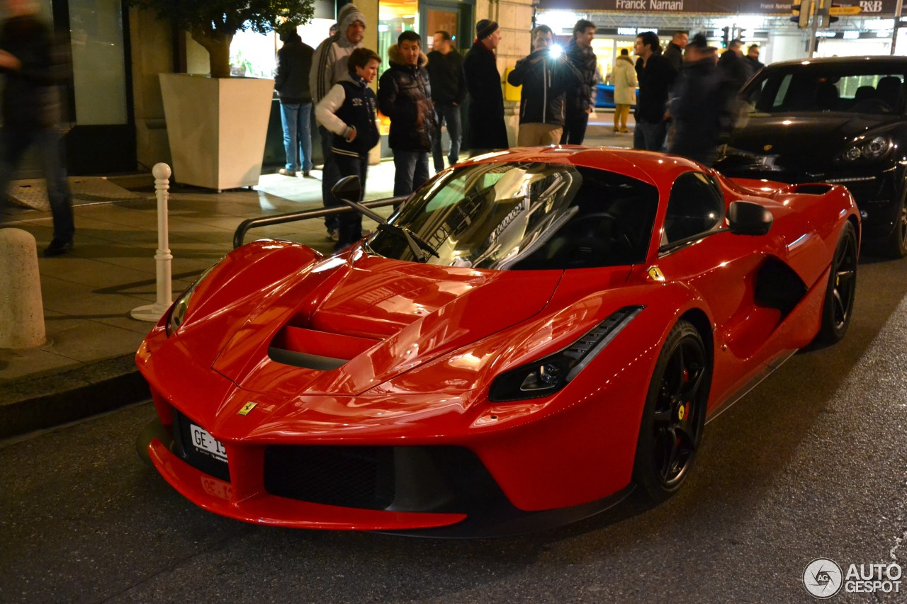 ferrari laferrari 11 mars 2014 autogespot. Black Bedroom Furniture Sets. Home Design Ideas