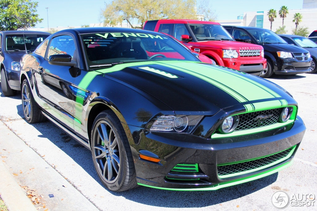 ford mustang boss 302 2013 11 march 2014 autogespot. Black Bedroom Furniture Sets. Home Design Ideas