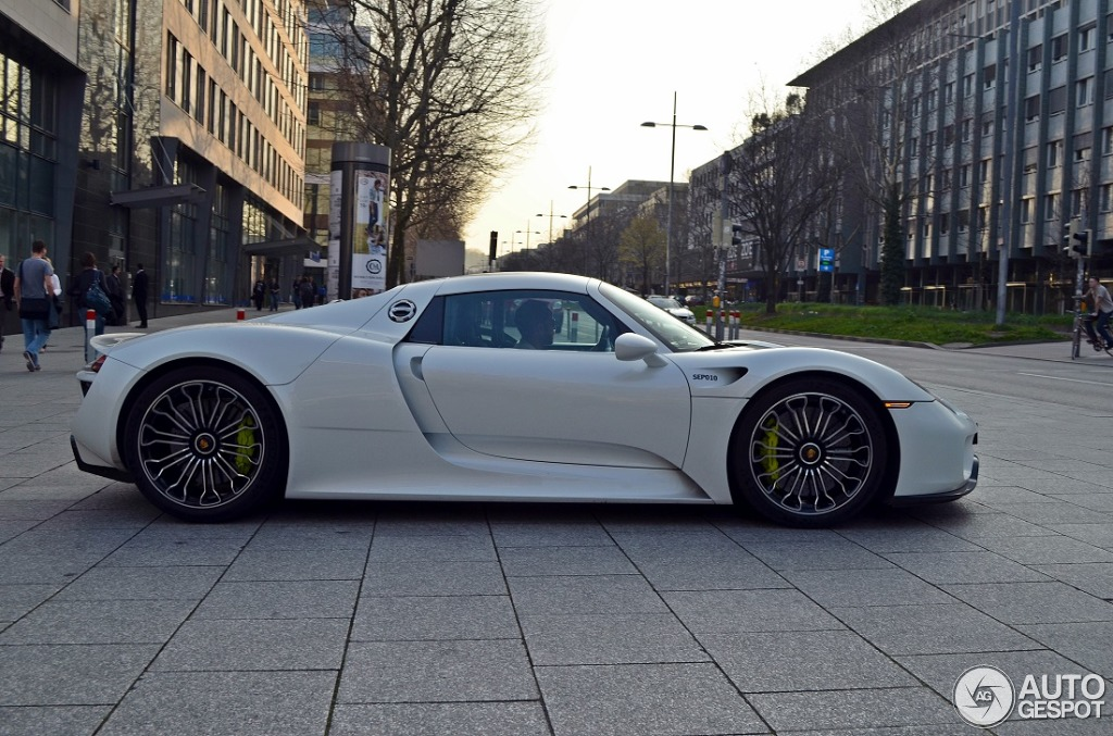 porsche 918 spyder 28 march 2014 autogespot. Black Bedroom Furniture Sets. Home Design Ideas