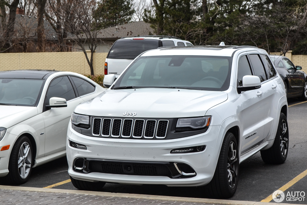 jeep grand cherokee srt 8 2013 30 march 2014 autogespot. Black Bedroom Furniture Sets. Home Design Ideas