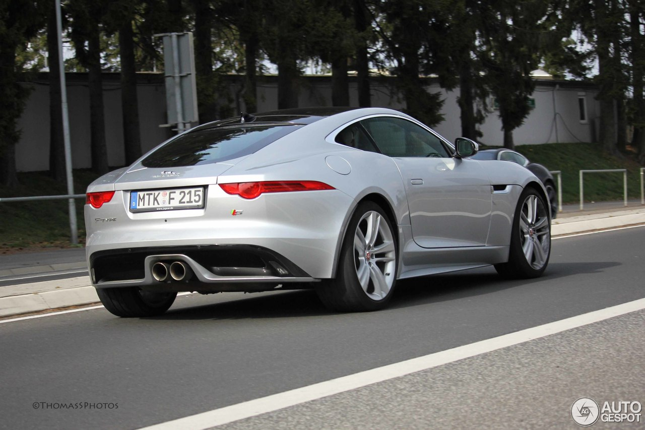 jaguar f type s coup 3 avril 2014 autogespot. Black Bedroom Furniture Sets. Home Design Ideas