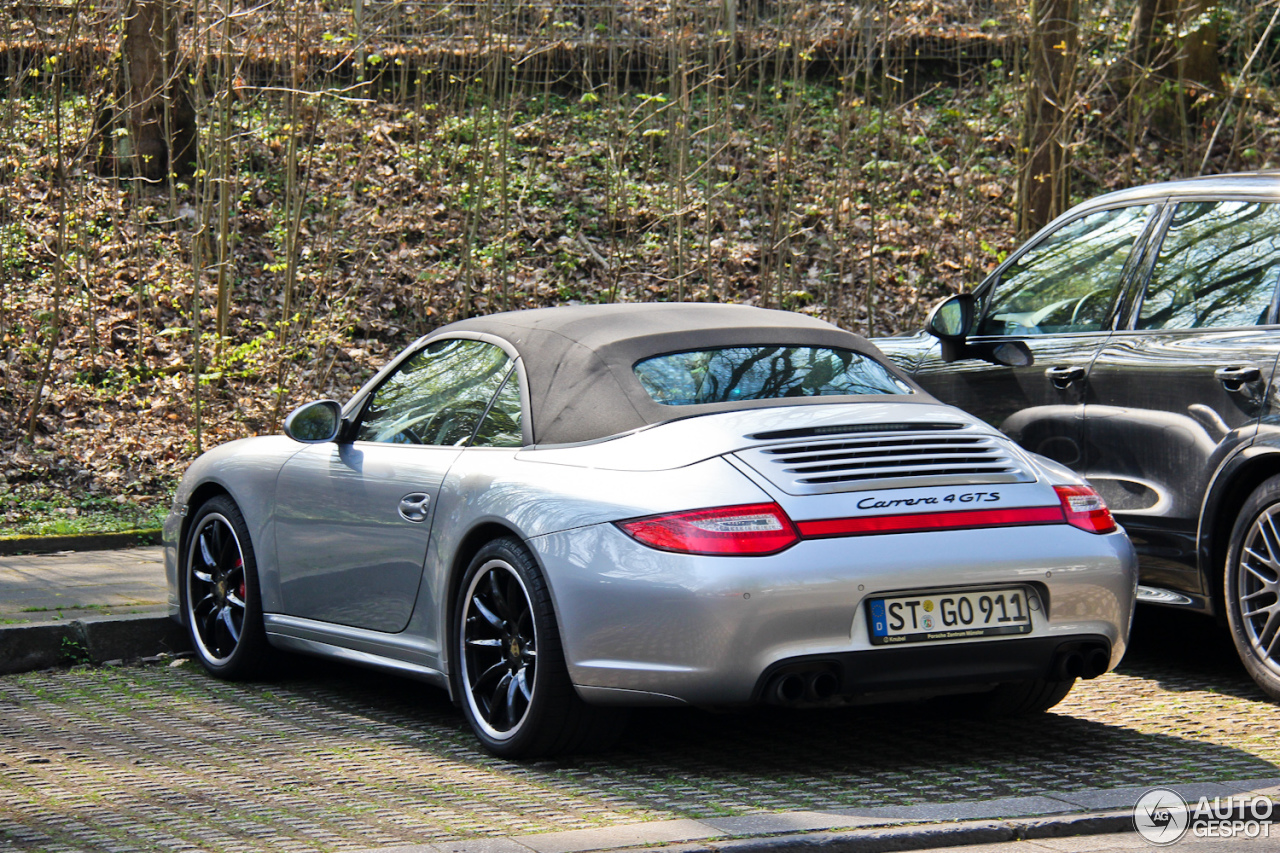 porsche 997 carrera 4 gts cabriolet 5 april 2014 autogespot. Black Bedroom Furniture Sets. Home Design Ideas