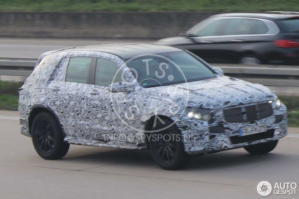 2015 - [Mercedes] GLC (GLK II) [X205] - Page 4 Mercedes-benz-glk-x205-2015-c392010042014074153_1