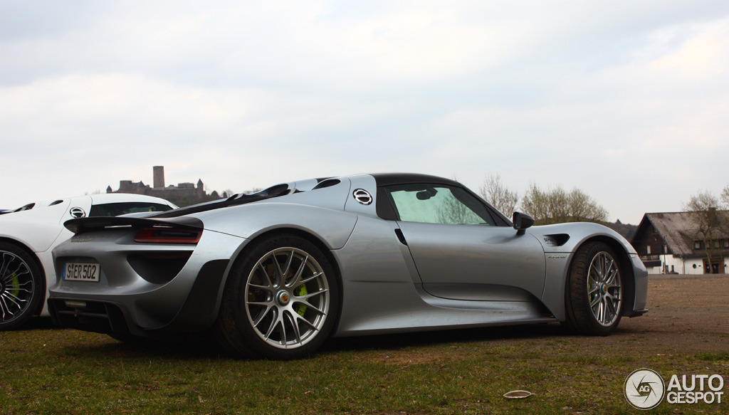 porsche 918 spyder weissach package 10 april 2014 autogespot. Black Bedroom Furniture Sets. Home Design Ideas