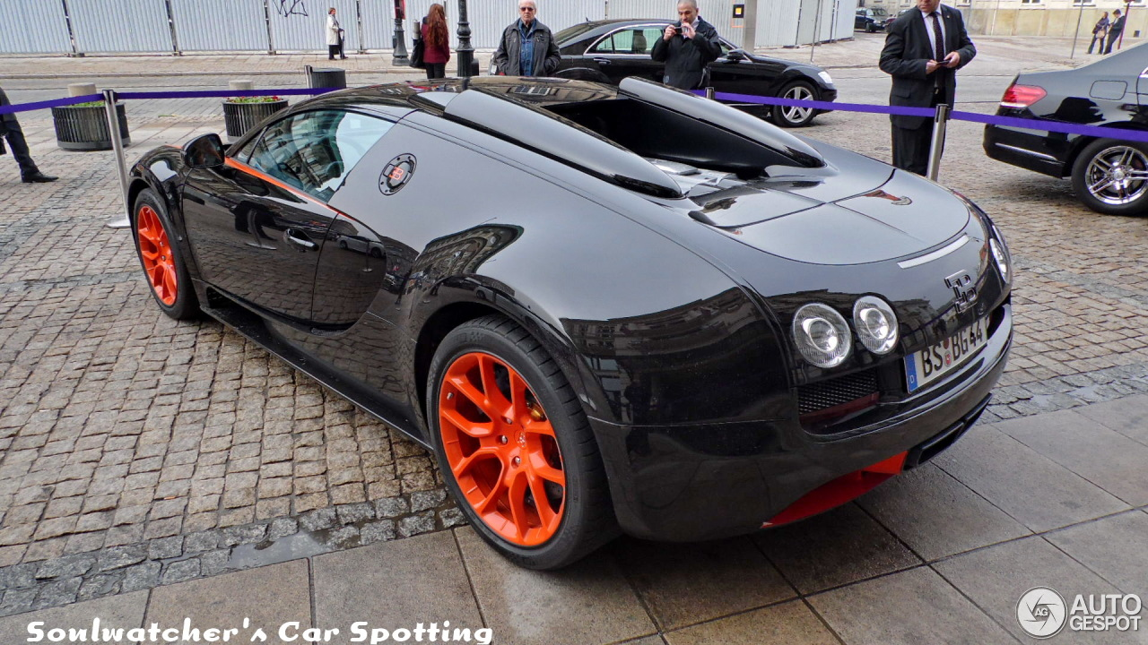 bugatti veyron 16 4 grand sport vitesse world record car. Black Bedroom Furniture Sets. Home Design Ideas