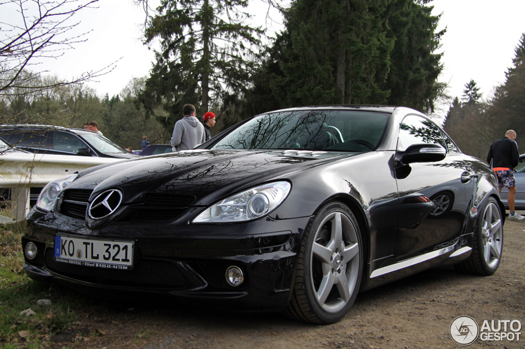 mercedes benz slk 55 amg r171 14 april 2014 autogespot. Black Bedroom Furniture Sets. Home Design Ideas