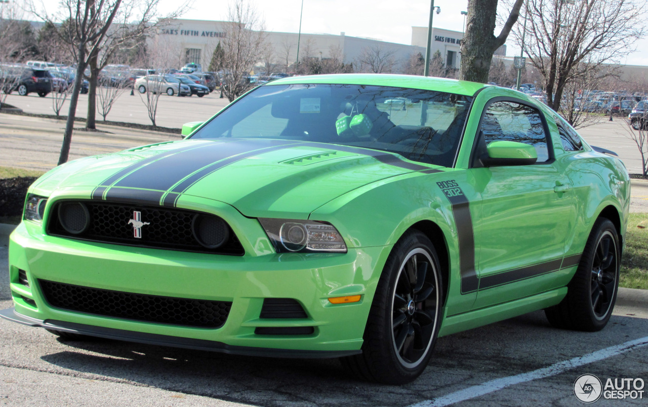 ford mustang boss 302 2013 15 april 2014 autogespot. Black Bedroom Furniture Sets. Home Design Ideas