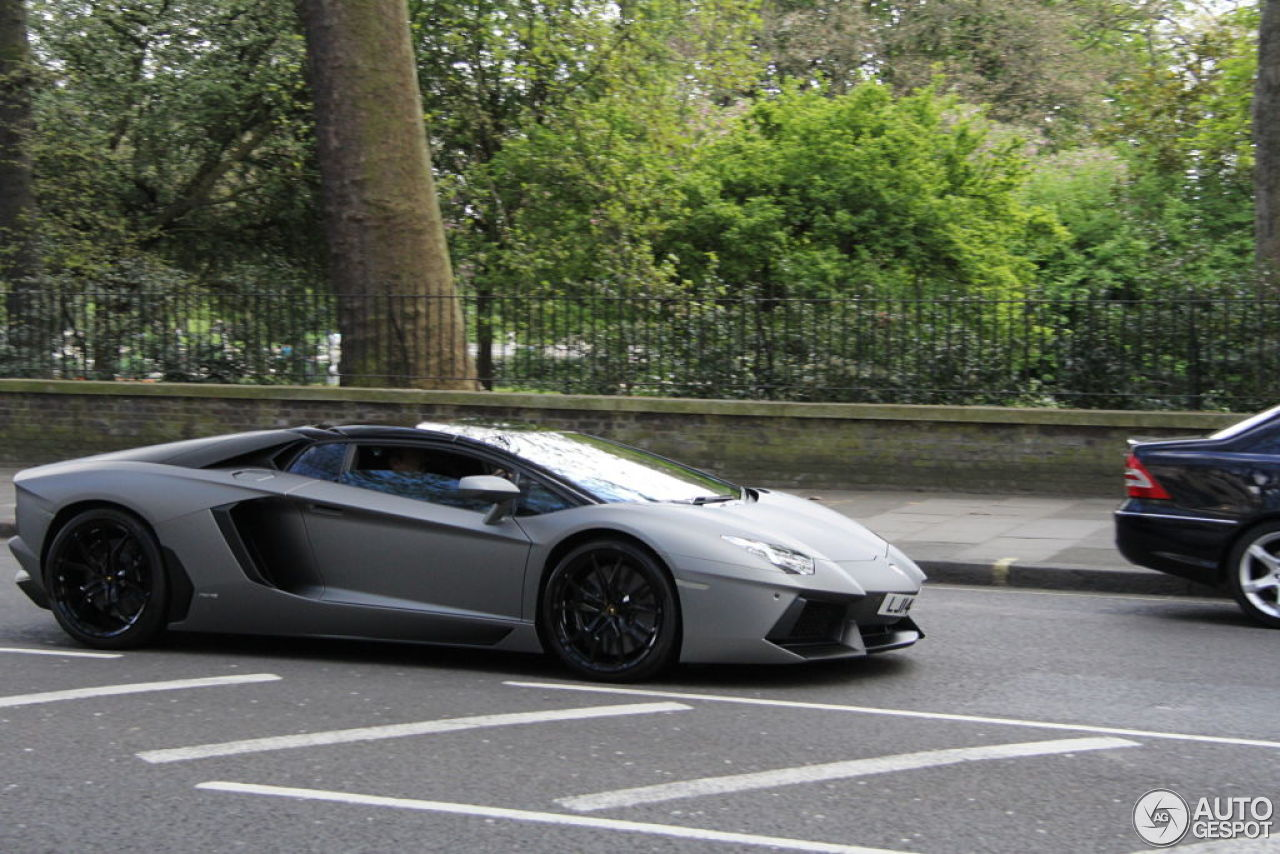 lamborghini aventador lp700 4 roadster 19 april 2014. Black Bedroom Furniture Sets. Home Design Ideas