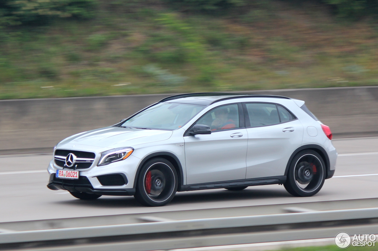 Mercedes benz gla 45 amg x156 19 abril 2014 autogespot for Mercedes benz gla 45 amg