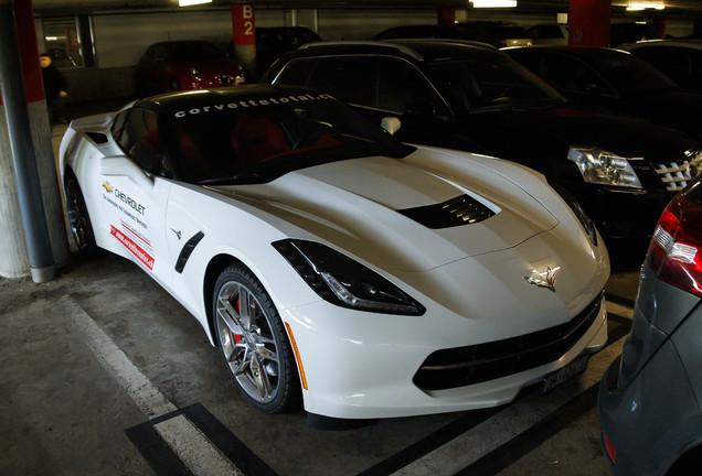 chevrolet corvette c7 stingray 8 oktober 2013 autogespot. Black Bedroom Furniture Sets. Home Design Ideas