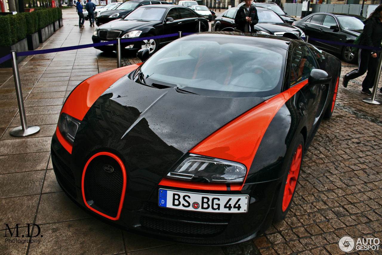 bugatti veyron 16 4 grand sport vitesse world record car edition 22 april 2. Black Bedroom Furniture Sets. Home Design Ideas
