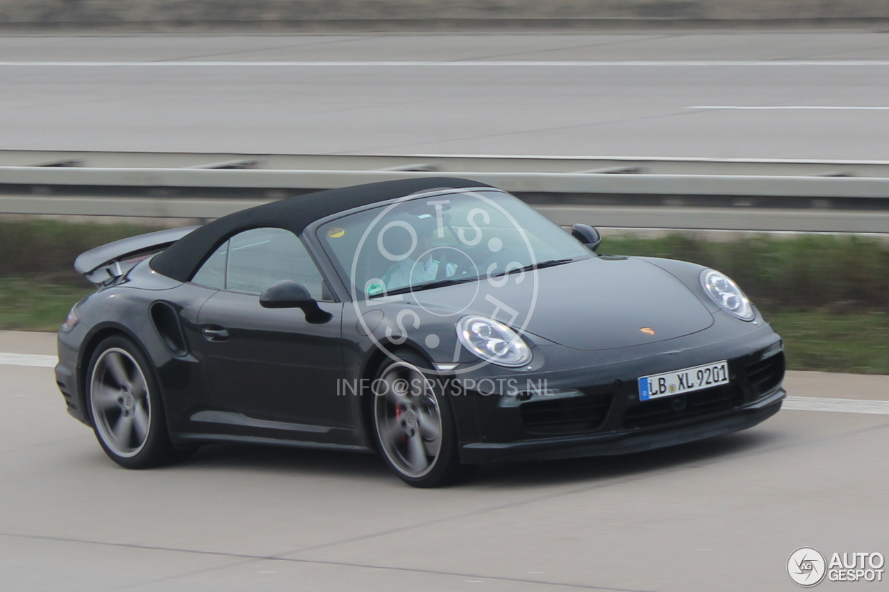 2015 - [Porsche] 911 Restylée [991] Porsche-991-turbo-cabriolet-mkii-c561522042014104517_1