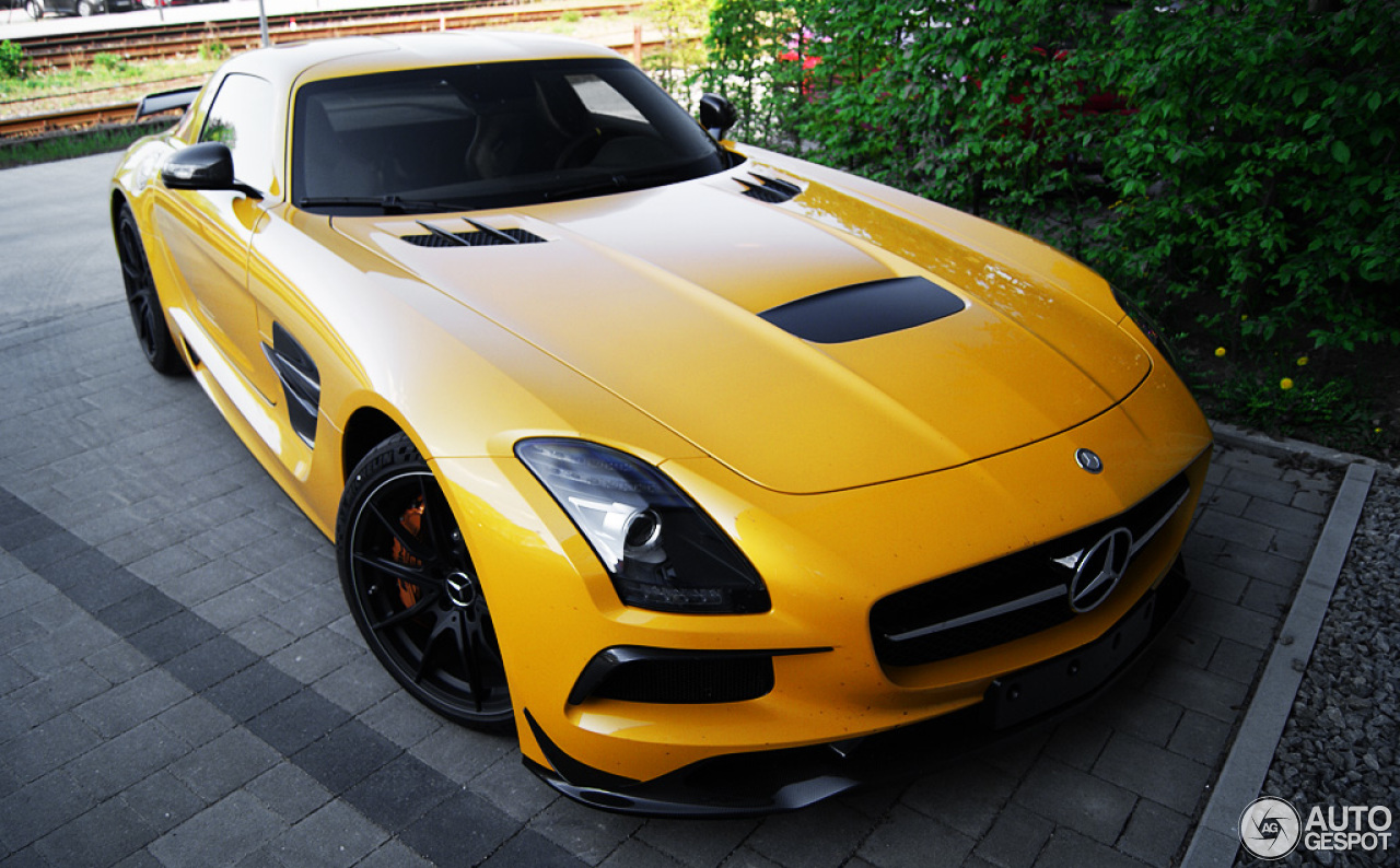 mercedes benz sls amg black series 24 april 2014 autogespot. Black Bedroom Furniture Sets. Home Design Ideas