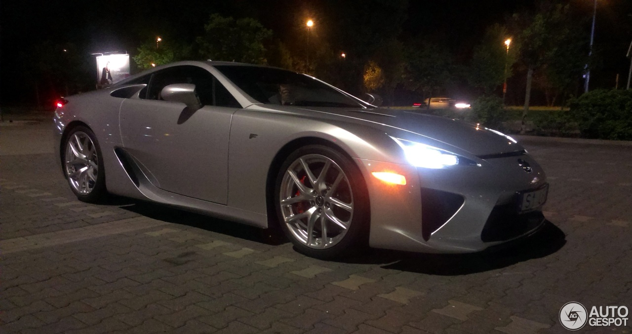 lexus lfa black and red. 4 i lexus lfa lfa black and red