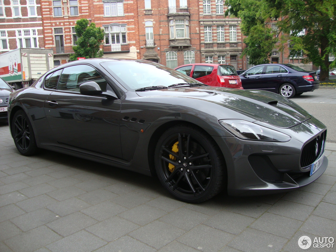 maserati granturismo mc stradale 2013 1 may 2014 autogespot. Black Bedroom Furniture Sets. Home Design Ideas