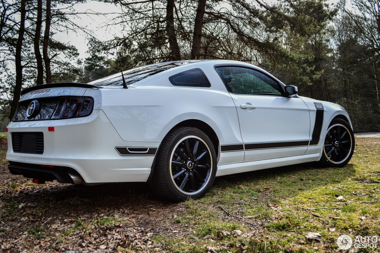 ford mustang boss 302 2013 2 may 2014 autogespot. Black Bedroom Furniture Sets. Home Design Ideas