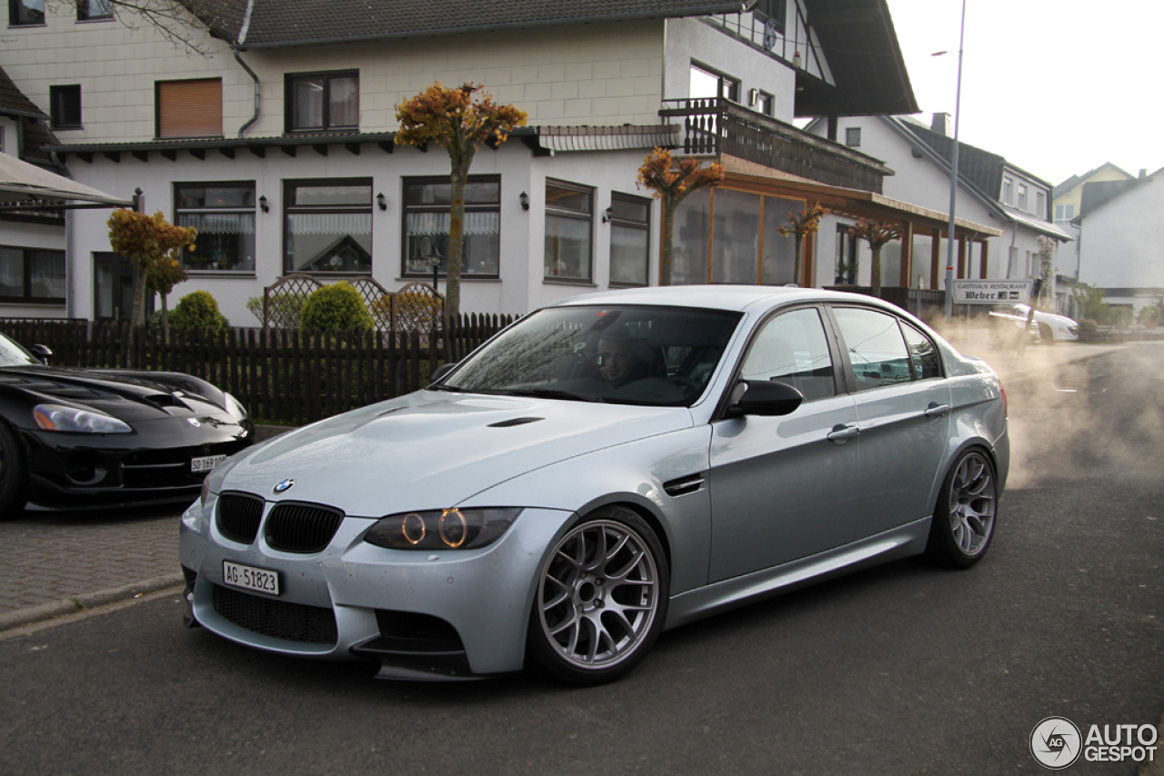 bmw m3 e90 sedan 2009 8 maio 2014 autogespot. Black Bedroom Furniture Sets. Home Design Ideas