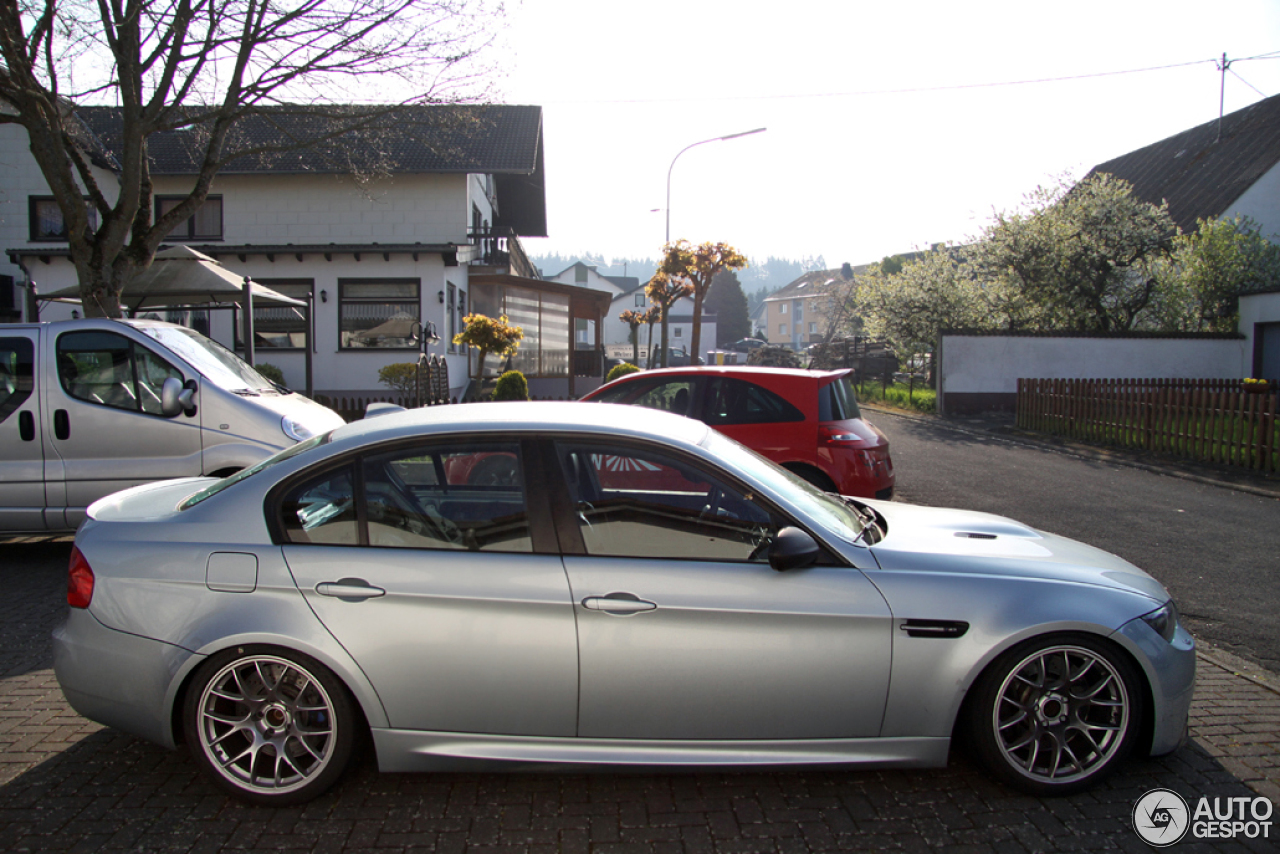 bmw m3 e90 sedan 2009 8 may 2014 autogespot. Black Bedroom Furniture Sets. Home Design Ideas