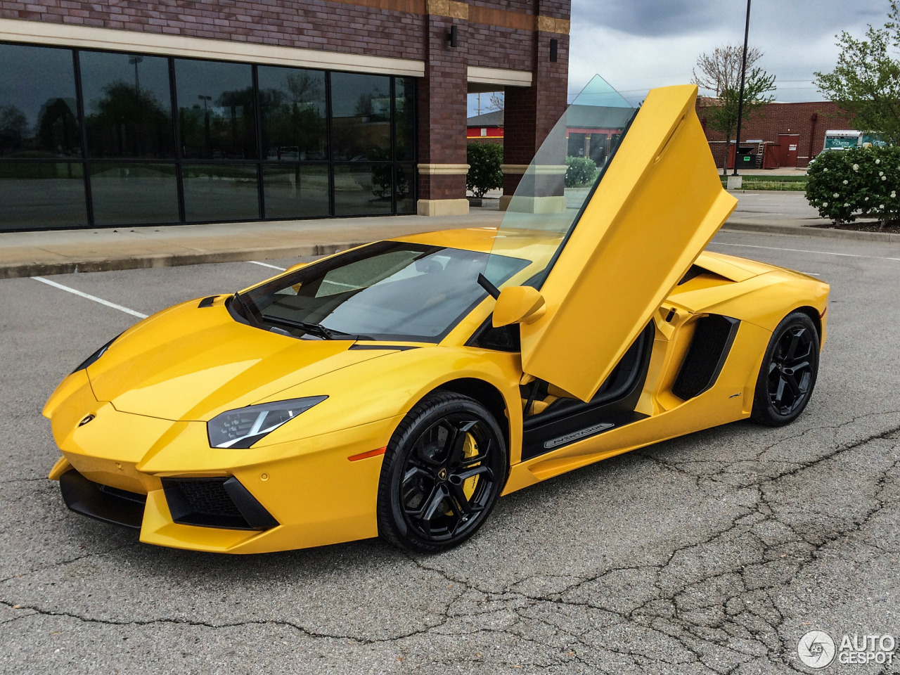 Lamborghini Aventador ... Lamborghini Aventador Yellow And Black
