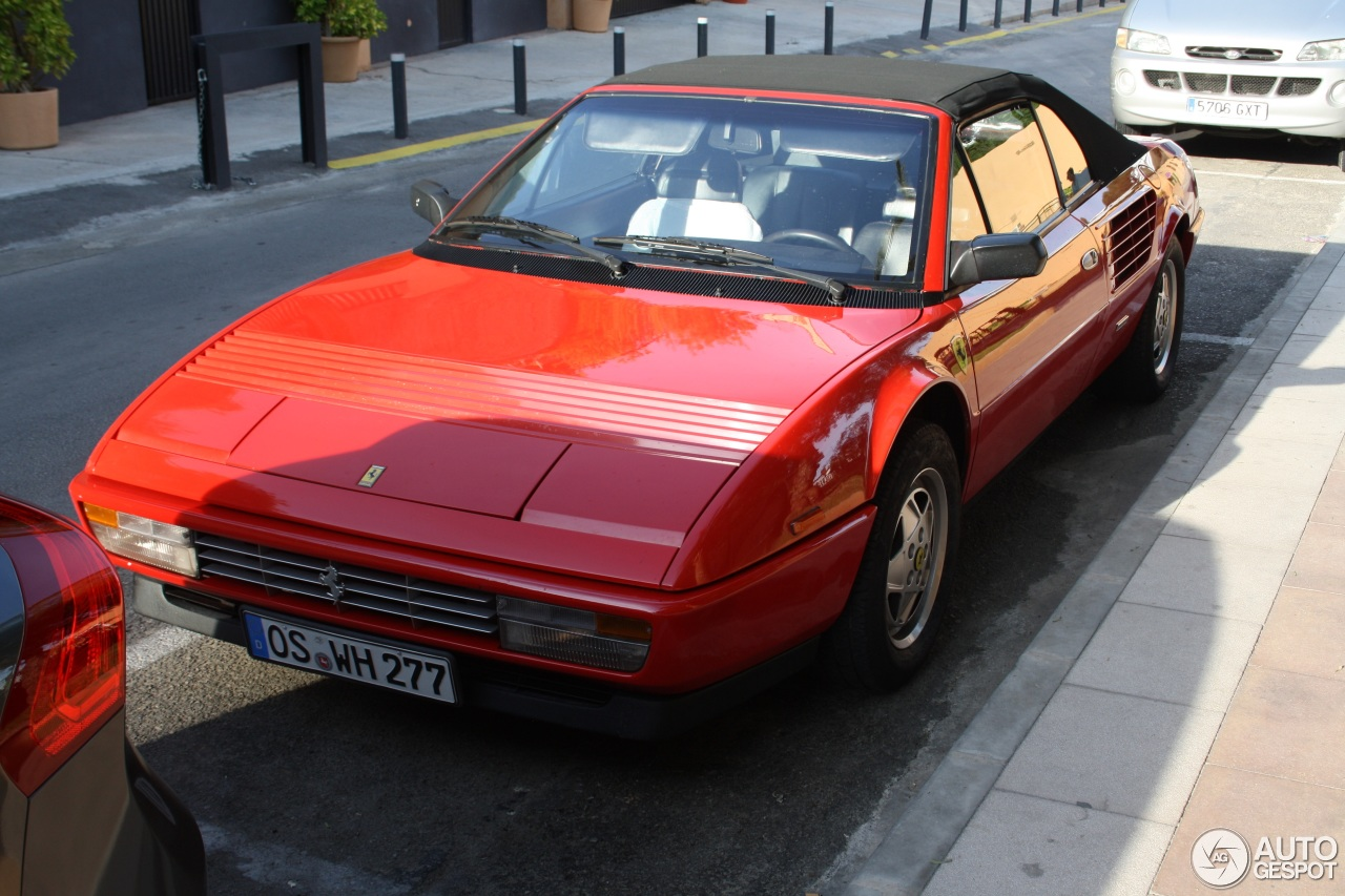 ferrari mondial 3 2 cabriolet 10 may 2014 autogespot. Black Bedroom Furniture Sets. Home Design Ideas