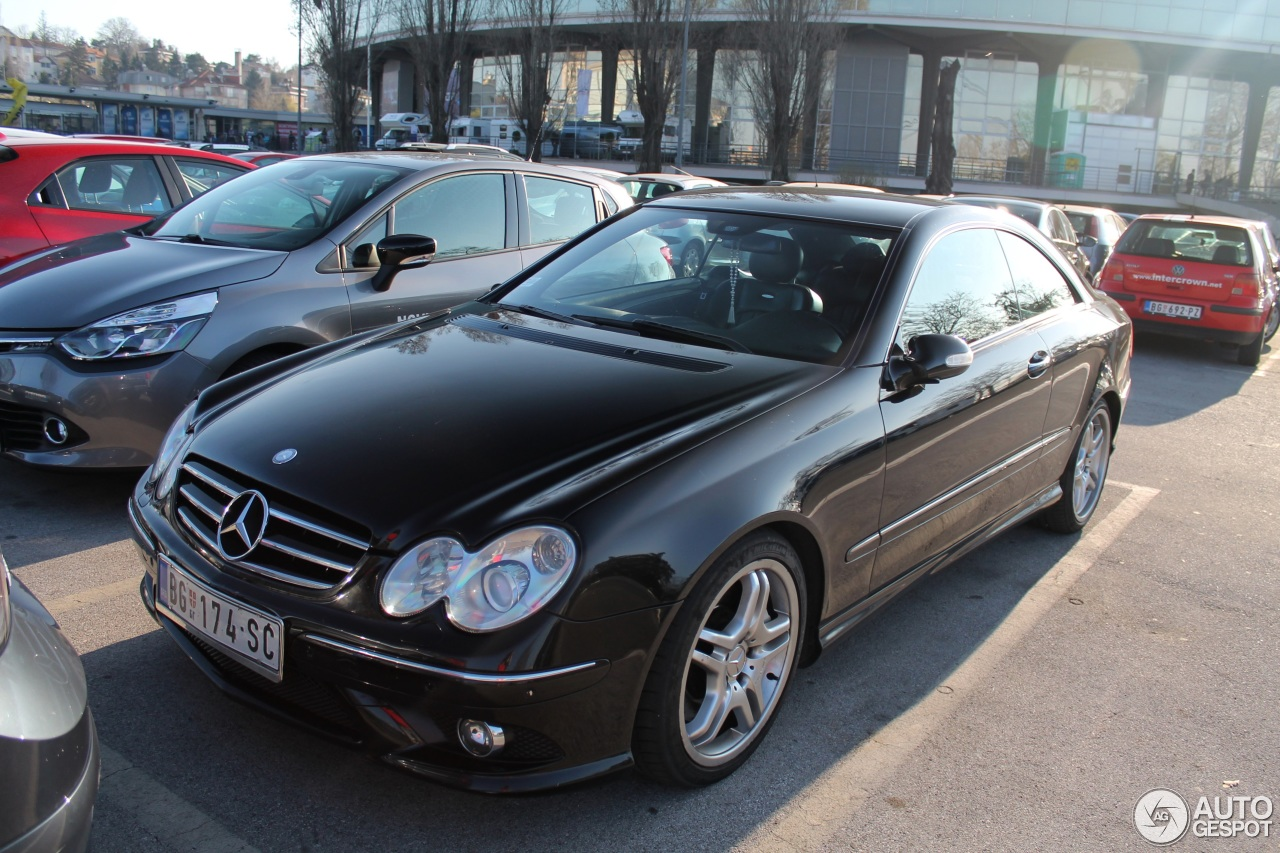 Mercedes benz clk 55 amg 12 may 2014 autogespot for Mercedes benz clk 2012