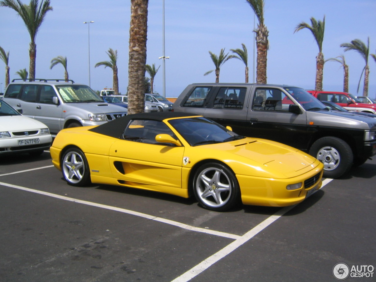 ferrari f355 spider 13 may 2014 autogespot. Black Bedroom Furniture Sets. Home Design Ideas