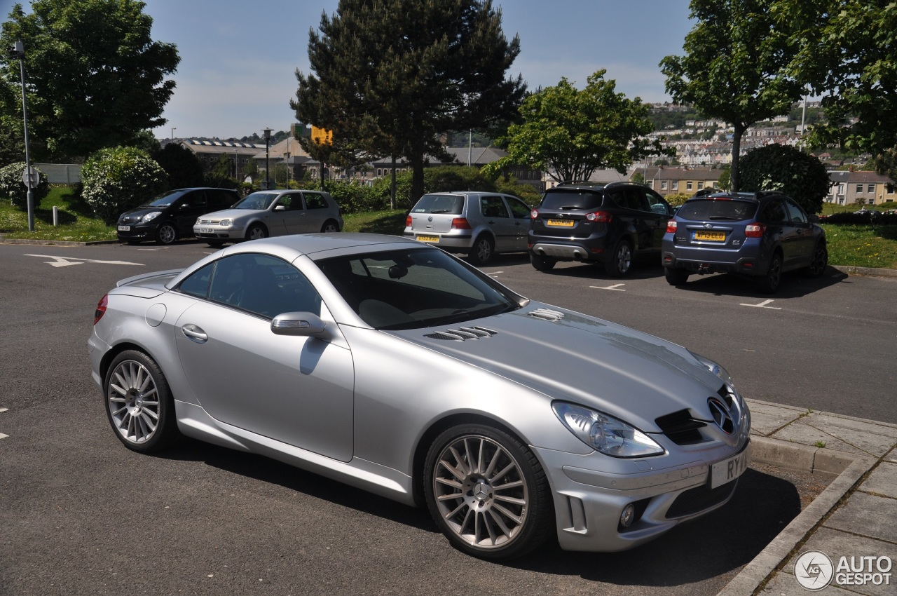 mercedes benz slk 55 amg r171 17 may 2014 autogespot. Black Bedroom Furniture Sets. Home Design Ideas